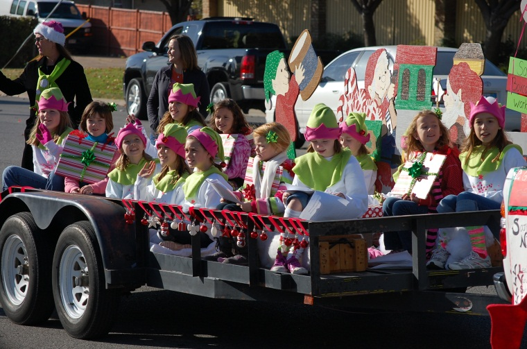 Christmas Parade 2011 Girl Scouts