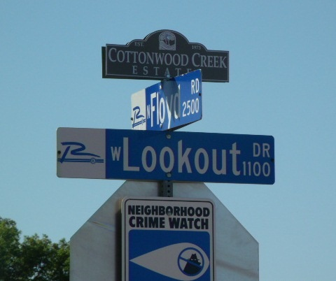 Sign Topper Cottonwood Creek