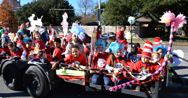 Pack-871-Parade-Float